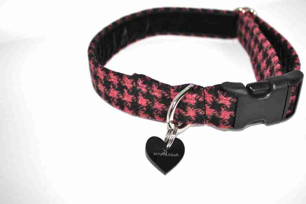 Scrufts' Blackberry Tweed Collar