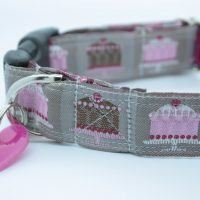 Scrufts' Happy Returns Dog Collar in Coffee
