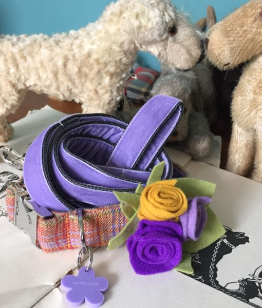 Scrufts' Cinnabar Donegal Tweed Velvet Lined Dog Collar with Detachable Felted Wool Posy
