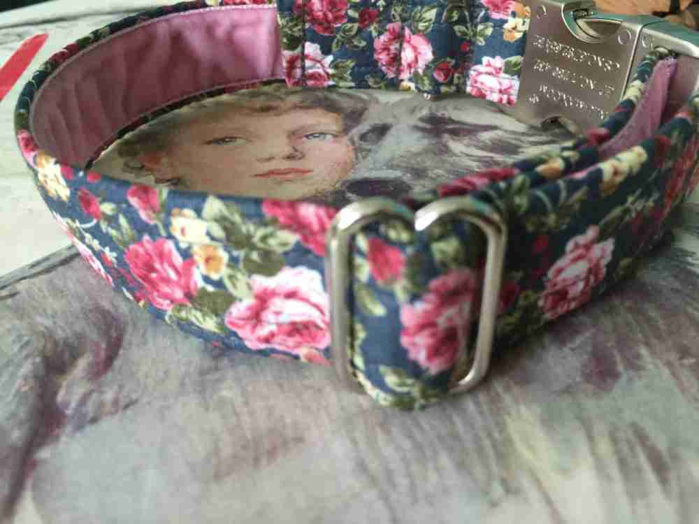 Scrufts' Lola Vintage Floral Velvet Lined Dog Collar