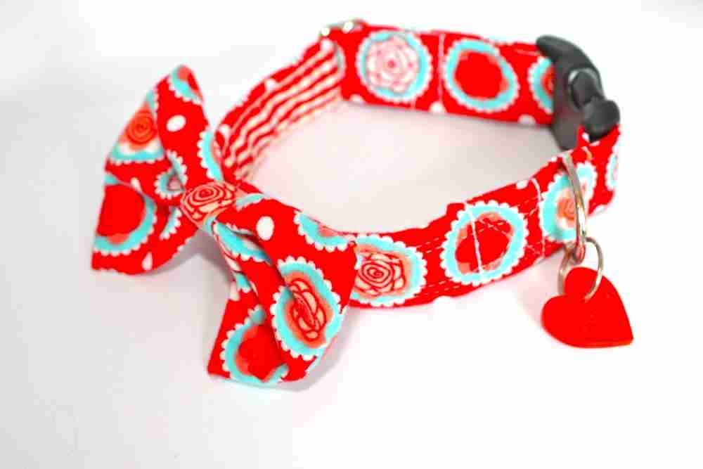 Dahlia Red Bow Wow Wow Tie Collar