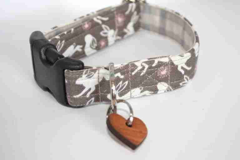 Scrufts Harold Hare Dog Collar in Coffee