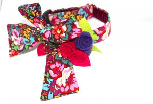 Handmade designs. Scrufts' May Belle Floral Bow Dog Collar