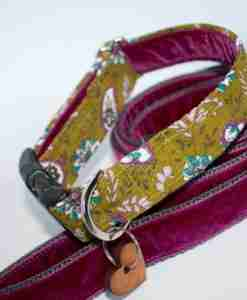 Scrufts' Rye Country Corduroy Dog Collar and Plum Velvet Lead