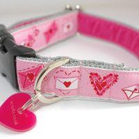 Scrufts' Lola Loves Kisses Pink Valentine's Dog Collar