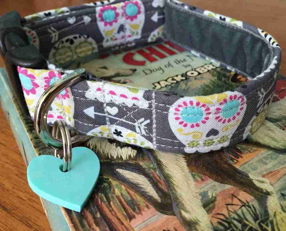 Scrufts' Dove Grey Skull Candy Velvet Lined Dog Collar
