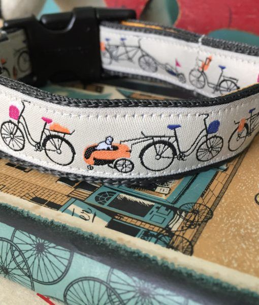 Scrufts' Waggo Wiggins Cycling Themed and Velvet Lined Dog Collar
