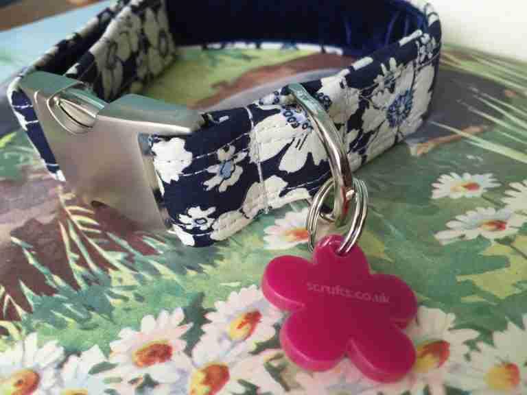Scrufts Blue Cammomile Velvet Lined Dog Collar