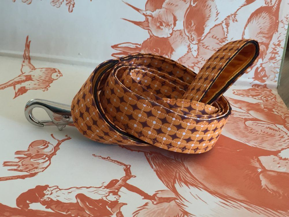 Scrufts' Dusty Orange Geometric Retro Velvet Lined Dog Lead
