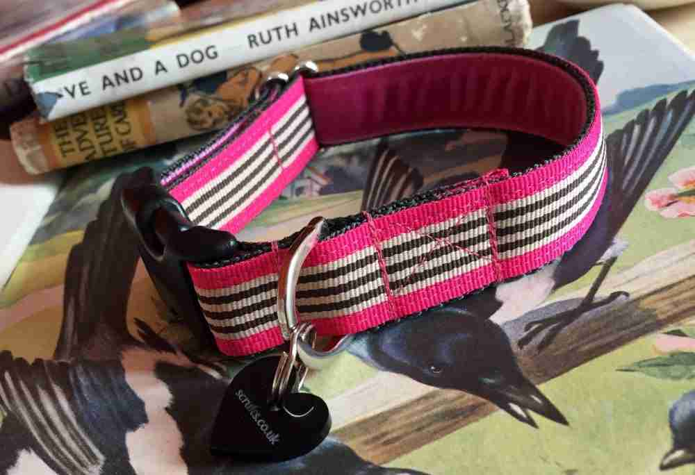 Scrufts' Liqourice Bright Pink Striped Velvet Lined Dog Collar