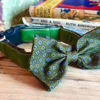 Scrufts' Mr Noel Velvet Bow Wow Wow Tie Dog Collar