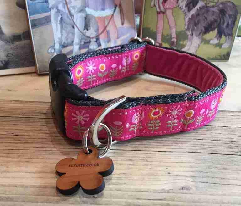 Scrufts' Tiny Garden Floral Velvet Lined Dog Collar in Pink