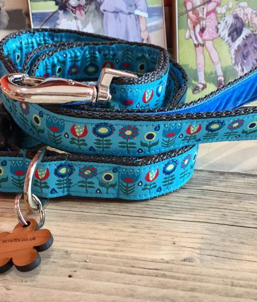 Scrufts' Tiny Garden Floral Velvet Lined Dog Collar and Lead in Blue