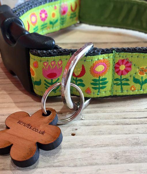 Scrufts' Tiny Garden Floral Velvet Lined Dog Collar in Lime