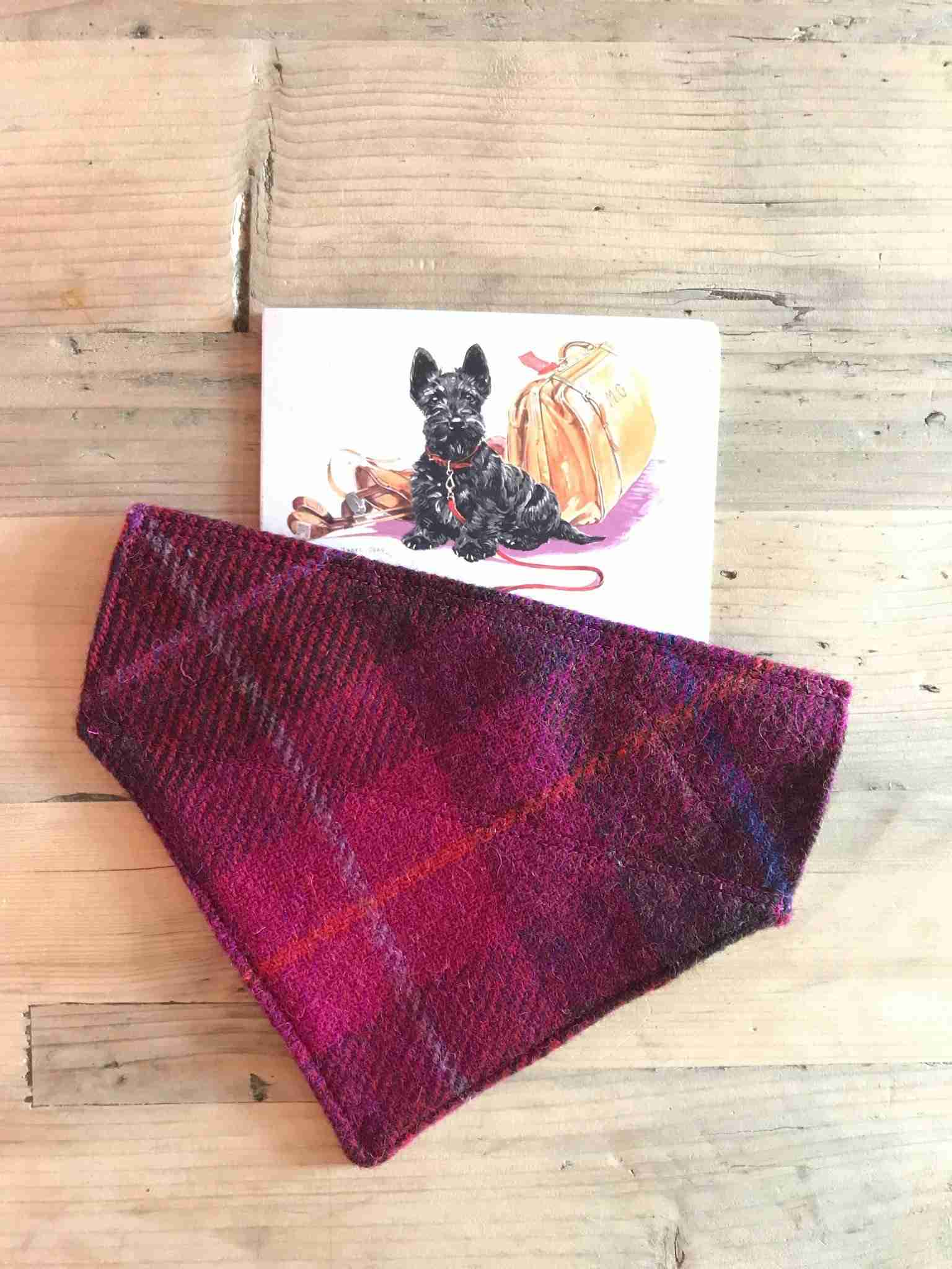 Scrufts' Harris Tweed Slip-on Bandana in Blackcurrant