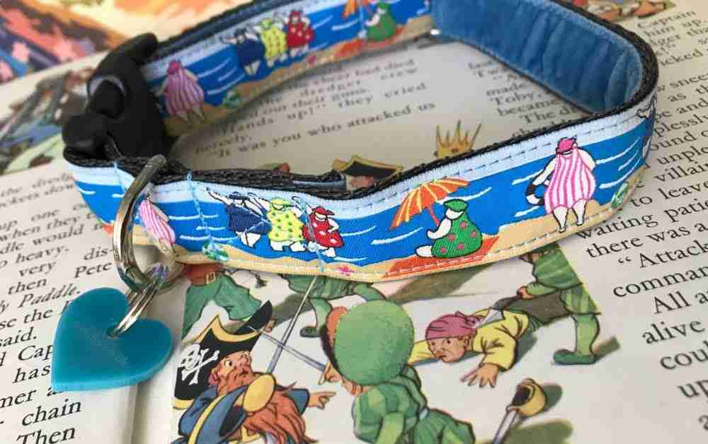 Scrufts' Bathing Belles Velvet Lined Dog Collar