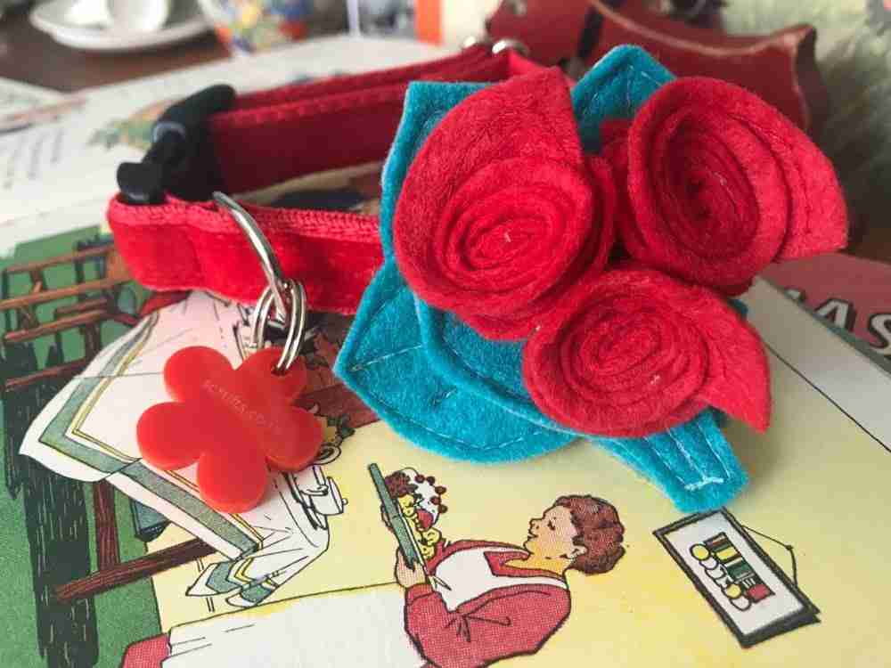 Scrufts Miss Rose Velvet Dog Collar With Posy