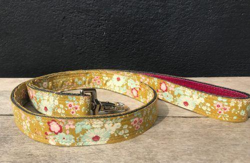 Scrufts Kiwi Floral Dog Lead