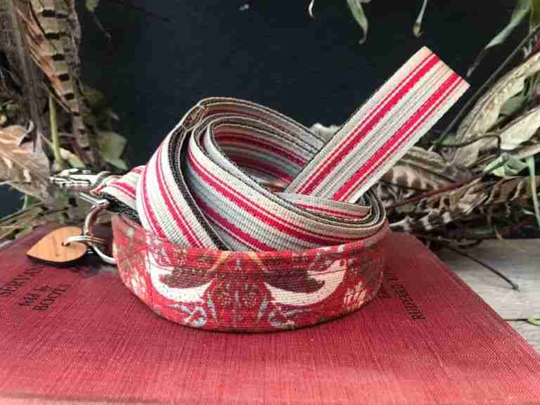 Scrufts William Morris Strawberry Thief Dog Collar And Lead