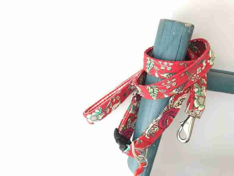 Scrufts' Kew Red Floral Dog Lead