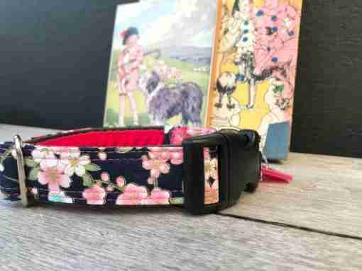 Scrufts Kyoto Navy Floral Dog Collar with Pink Velvet Lining
