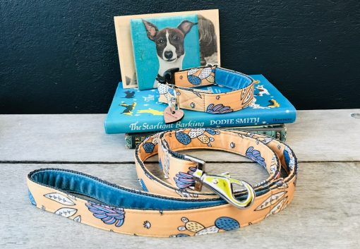 Scrufts San Jose Dog Lead with Blue Velvet Lining