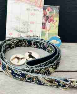 Scrufts Weller Navy Paisley Dog Lead with Navy Velvet Lining