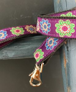 Scrufts Flora Dog Lead in Purple or Leaf with Velvet Lining