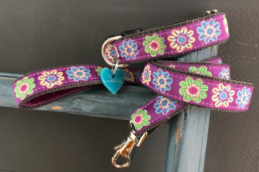 Scrufts Flora Dog Collar and Lead in Purple or Leaf with Velvet Lining