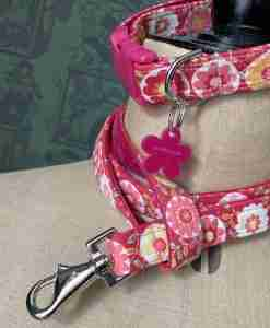 Scrufts Mabel Sugar Pink Floral Velvet Lined Dog Collar with Matching Lead
